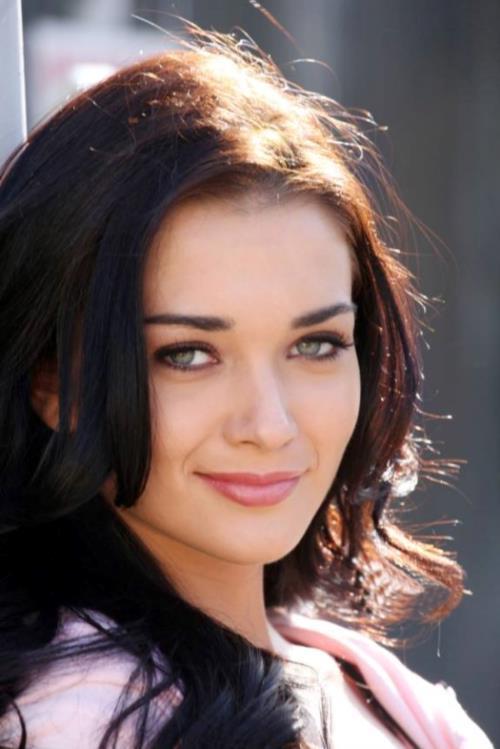 Pretty Amy Jackson